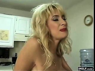 Mother of two gets fucked hard